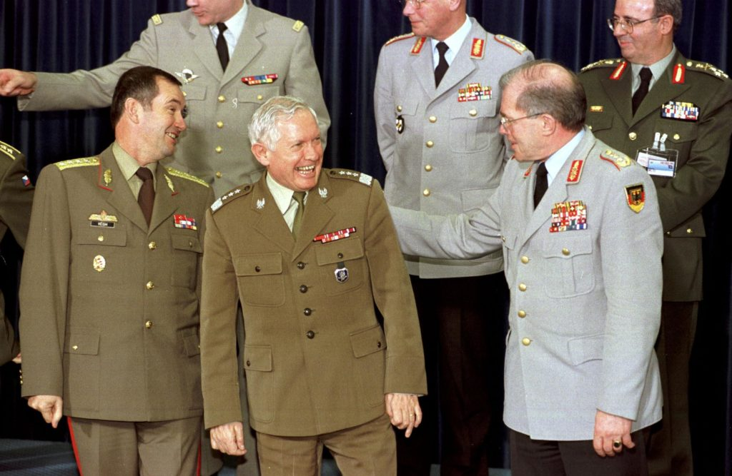 9-10 March 1999 Military Committee Meeting at Chiefs of Staff Level. Front Left to right: Lt.Gen. F. Vegh (Chief of Defence, Hungary); Lt. Gen. H. Szumski (Chief of Defence, Poland); Gen. K. Naumann (Chairman of the Military Committee).